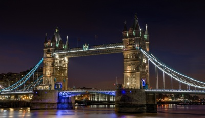 tower-bridge-1069216_1920.jpg